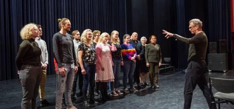 Audities voor Twents toneelstuk: 'Willen jullie niet zo netjes Nederlands praten?'