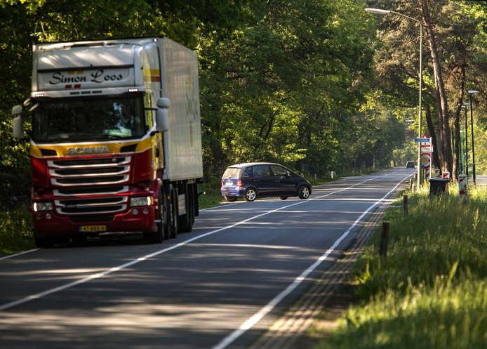 De N615 tussen Gerwen en Beek en Donk is een van de gevaarlijkere N-wegen in Zuidoost-Brabant. Foto René Manders/fotomeulenhof