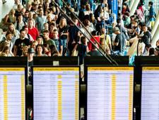 Maatregelen tegen drukte kosten Schiphol veel geld