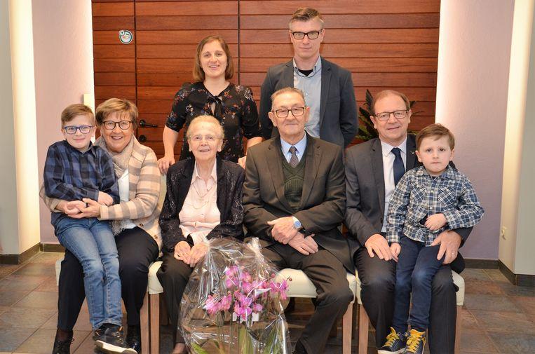 André en Agnes mochten klinken op 65 jaar huwelijksgeluk