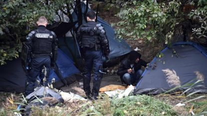 "Amnesty International: ""Franse politie intimideert mensen die vluchtelingen helpen"""