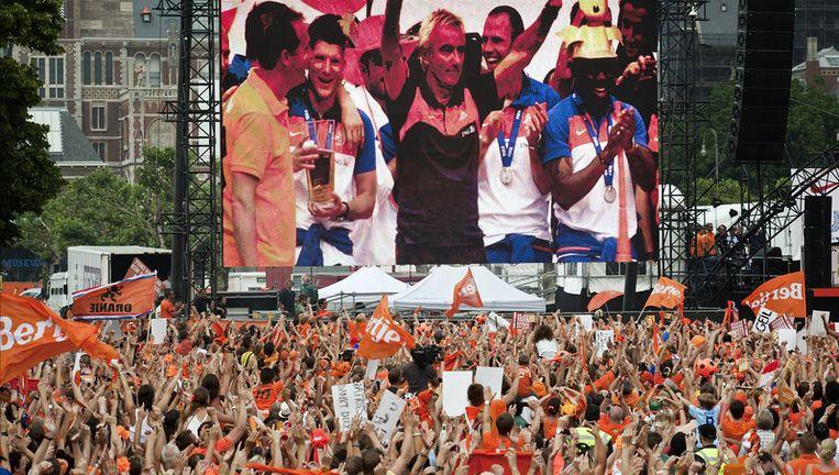 Het Nederlands elftal werd in juli gehuldigd op het Museumplein in Amsterdam. Foto ANP Beeld
