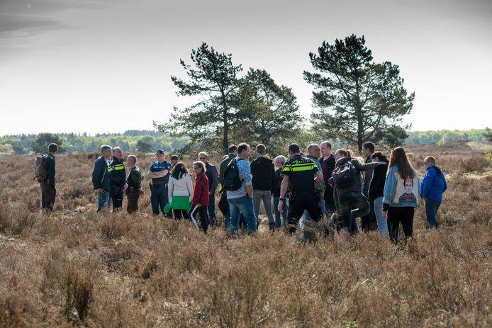 Zoekactie naar vermiste Ellen Hagenbeek op de Veluwse hei. foto Bram van de Biezen