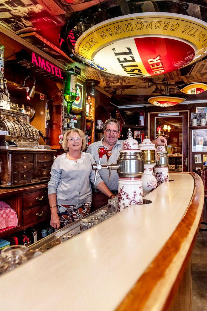 Josien en Rens Franken stoppen na zeventien jaar bij café De Grote Slok.