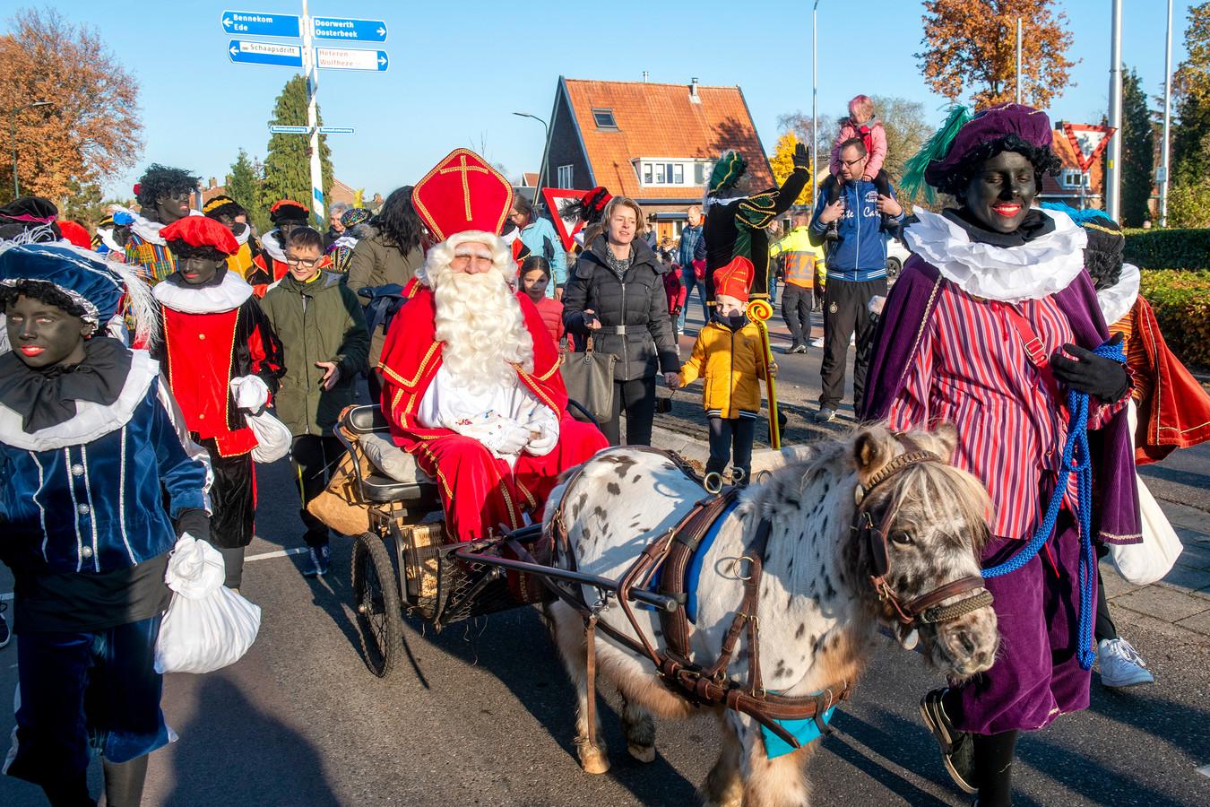 Sint doorkruist Heelsum met een pony.