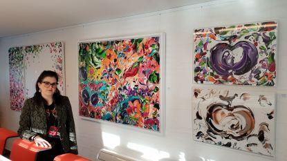 Caroline opent eerste Heistse kunstgalerij in bandencentrale