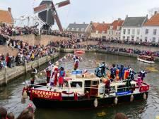 Rijen dik voor de aankomst van Sinterklaas in Heusden
