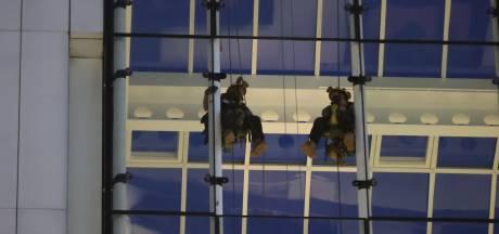 Vier glasplaten megaministerie worden vervangen