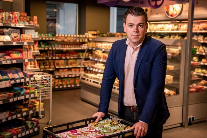Supermarktondernemer Martijn ten Berge heeft het druk in tijden van de coronacrisis.