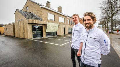 """Jonge chefs openen foodstore Amitude waar vroeger slagerij Sanders was: """"Onze focus ligt op vers bereide maaltijden"""""""