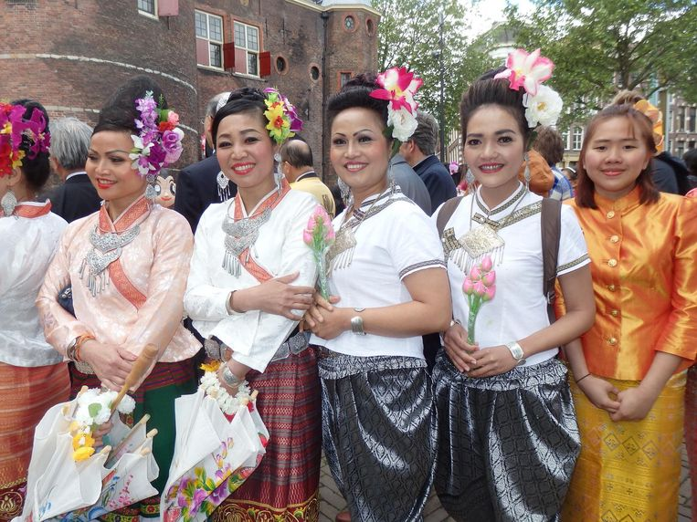 De Thaise dansvereniging Thai Esaan Entertainment Beeld Schuim