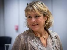Verkouden burgemeester Tanja Haseloop van Oldebroek laat zich testen op corona