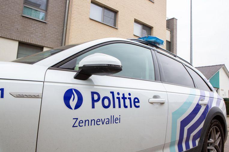 Ploegen van de politiezone Zennevallei hielden zondagavond een klopjacht in het Halse gehucht Elbeek.
