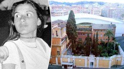 """""""Kijk waar de engel wijst"""": Vaticaan start nieuw onderzoek naar vermist meisje dat volgens anonieme brief begraven ligt in tombe naast Sint-Pietersbasiliek"""