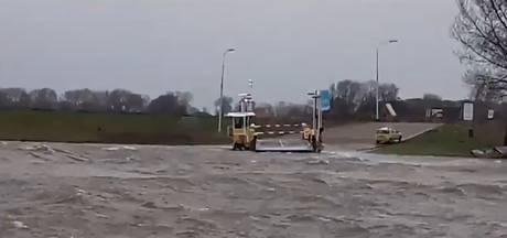 Veerponten Lith, Oijen en Maasbommel uit de vaart, pont bij Alem 'trekt het amper nog'
