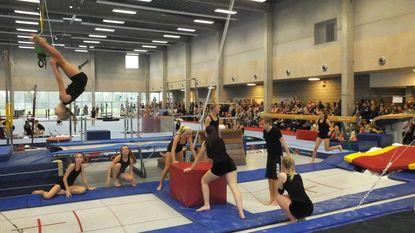 Gymnasten OTV wijden nieuwe turnhal in
