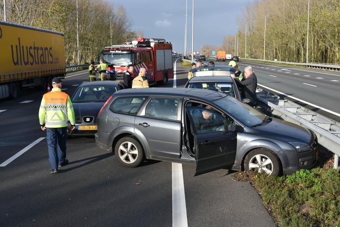Meerdere auto's raakten betrokken bij een ongeluk op de A73.