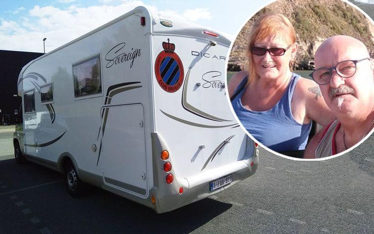 Michel en Roos uit Balen bleven verweesd achter. Ze moesten hun vakantie vervroegd stopzetten.