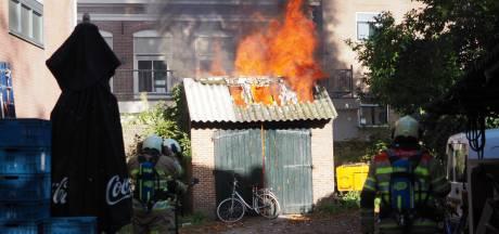 Mogelijk asbest vrij bij brand in schuurtje bij Lieve Vrouwekerkhof