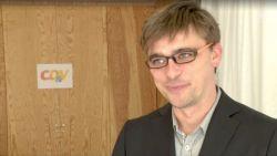 """Carl Dircksens, de populaire woordvoerder uit 'De Ideale Wereld': """"En zeggen dat ik een gebuisd acteur ben"""""""