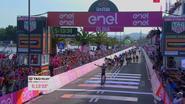 Herbeleef hoe openingsrit Giro erg verrassende ontknoping kende