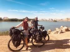 Amersfoorter fietste 7500 kilometer (van Nederland naar India): 'Dit is een bizar einde van de reis'