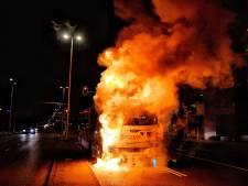 Tilburgse stadsbus vat vlam: chauffeur en inzittenden komen met de schrik vrij