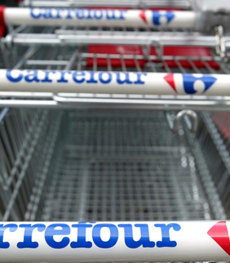 """Carrefour lance la vente de produits """"périmés"""" en Belgique"""