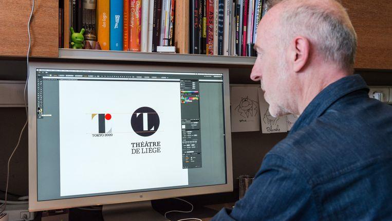 De Belgische ontwerper Olivier Debie vergelijkt de ontwerpen.