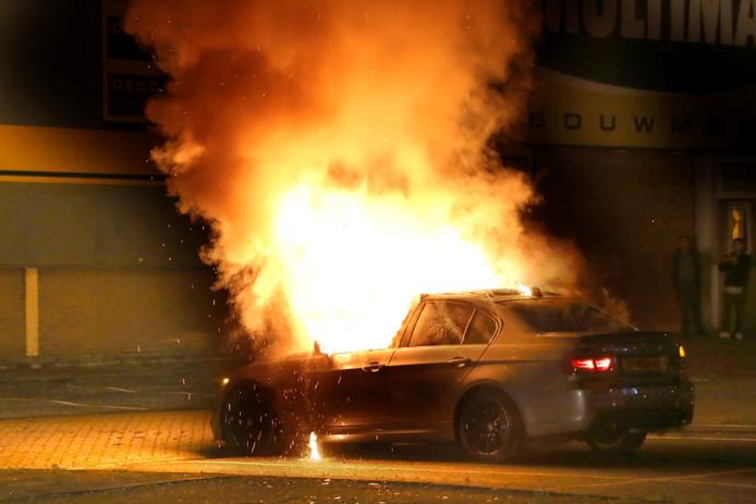 Auto in brand op Herentalsweg