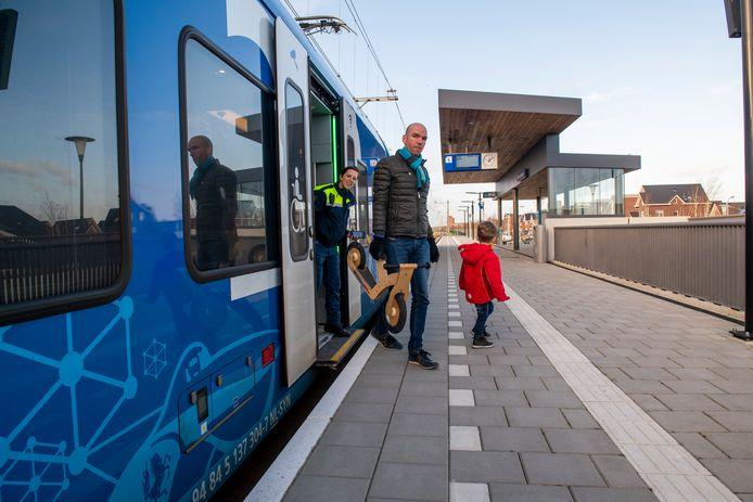 De trein stopt vanaf zondag eindelijk bij station Zwolle Stadshagen.