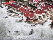 Toerist viert alweer vakantie tussen de puinhopen van Sint-Maarten
