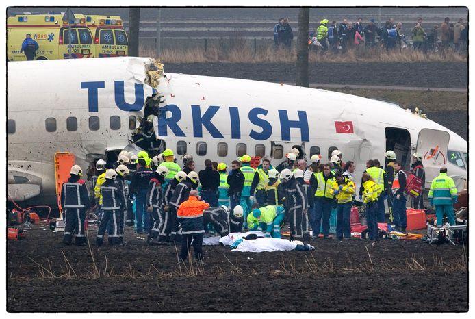 Het neergestorte toestel van Turkish Airlines, op 25 februari 2009.