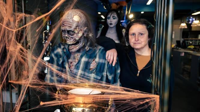 """Huis Baeyens ziet verhuur Halloweenkostuums 70% terugvallen door corona: """"We merken wel dat mensen meer versiering kopen om er thuis een gezellige Halloween van te maken"""""""