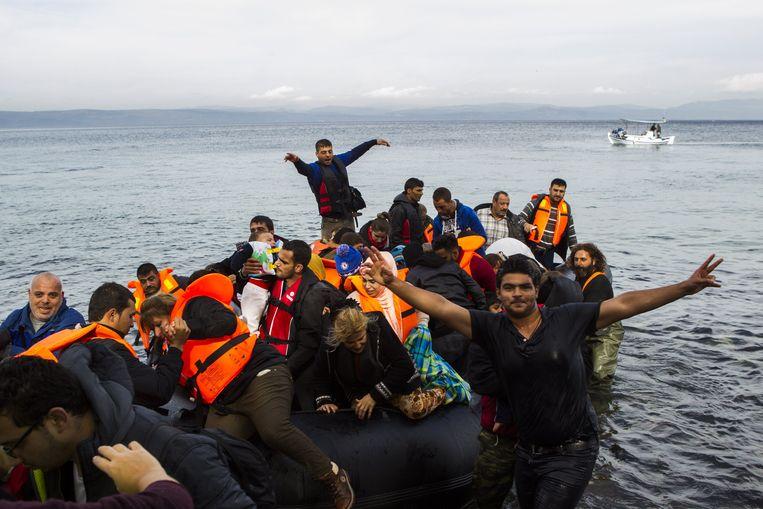 Archiefbeeld (2015) van vluchtelingen die toekomen op het Griekse eiland Lesbos.