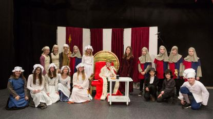 150 kinderen brengen musical Koning Huilebalk
