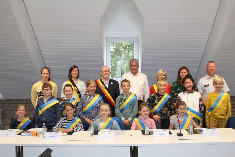 De nieuwe Stabroekse kindergemeenteraad