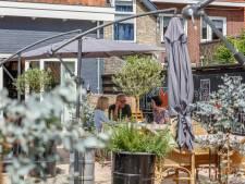 Hotel Trusten in Willemstad mag een terras in de achtertuin