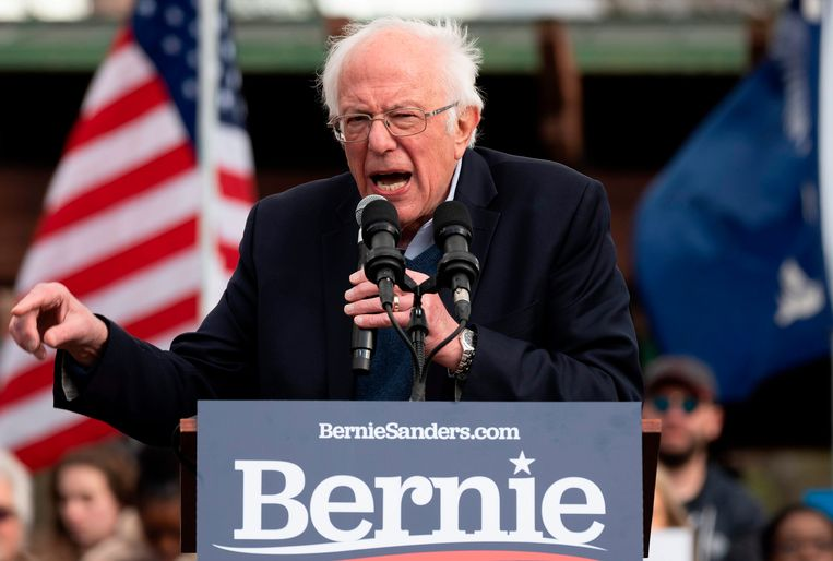 Als de mensen die nooit meer stemmen nu wel gaan stemmen, op hem, denkt Sanders niet alleen de Democratische voorverkiezingen te kunnen winnen, maar ook de strijd met Donald Trump. Beeld AFP