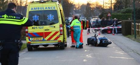Scooterrijder zwaargewond bij aanrijding met auto in Vorstenbosch