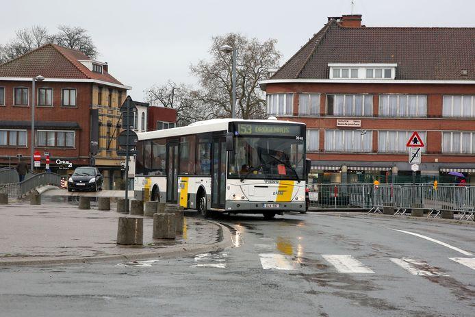 De bussen van De Lijn zullen ook tijdens de drie dolle nachten van Carnaval Halle uitrijden om feestvierders thuis te brengen.
