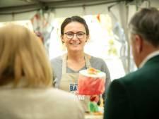 Heel Holland Bakt-winnares Anna zet punt achter marineloopbaan