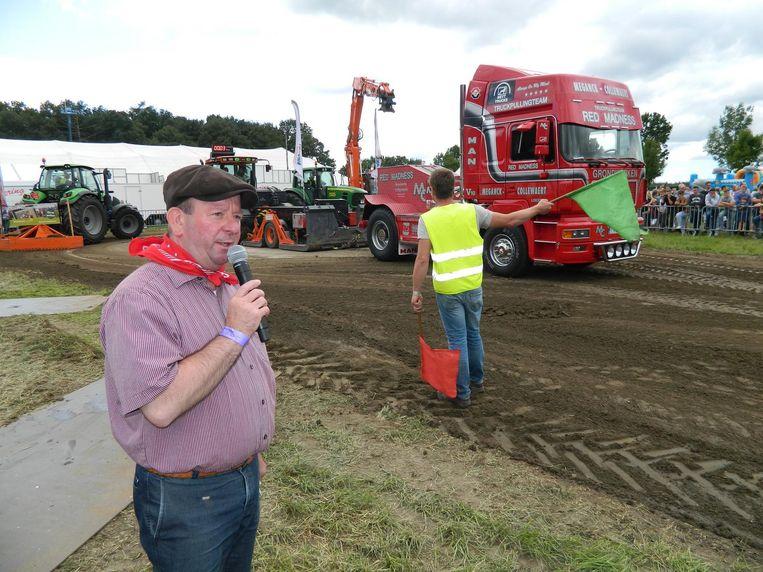 Dirk De Smul zorgde gisteren voor het twintigste jaar op rij voor plezier tijdens de tractor- en truckpulling.