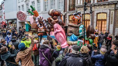 Pieten op Sinterklaasparade toch gewoon zwart