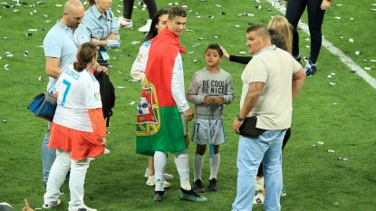 Stierenvechter en worstelaar moeten Ronaldo veilig houden