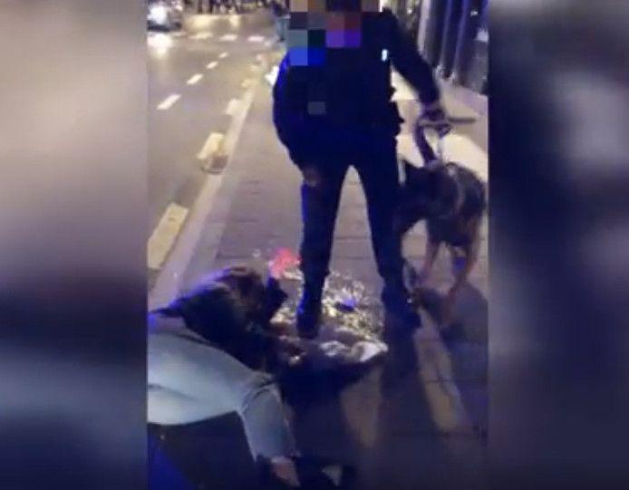 Une jeune fille a été violemment projetée au soleil par un policier.