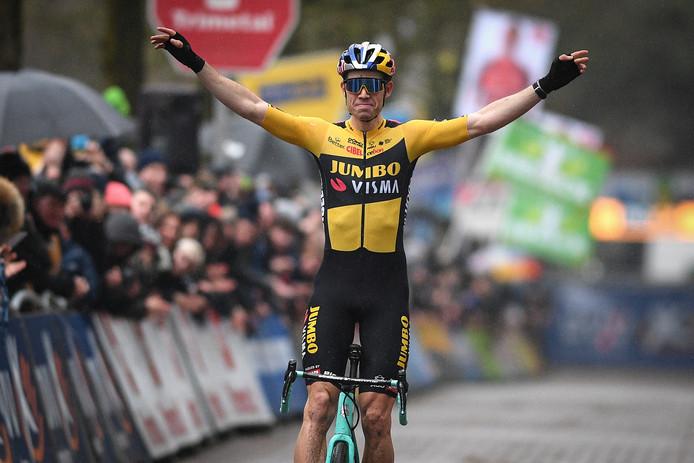 Wout van Aert won in 'zijn' Lille.