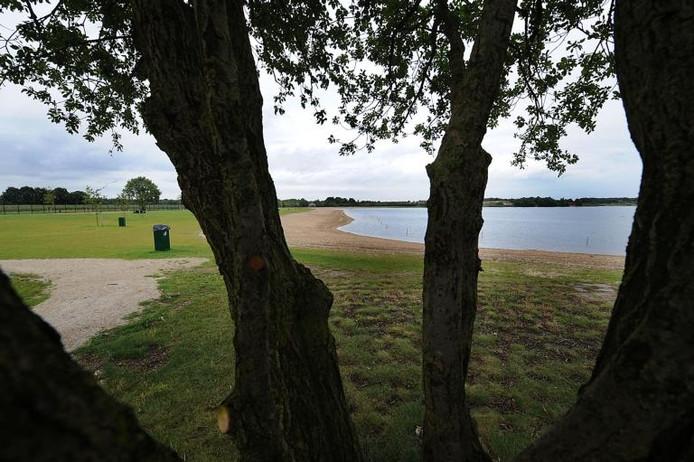 De Kuilen tussen Mill en Langenboom is verdeeld in natuurgebied en een recreatiedeel. foto's Ed van Alem