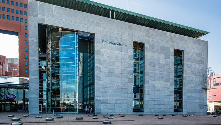 Het gerechtsgebouw in Rotterdam. Maandag 6 juni vond daar de regiezitting over de Vestiafraude plaats. Beeld Freek van den Bergh / de Volkskrant