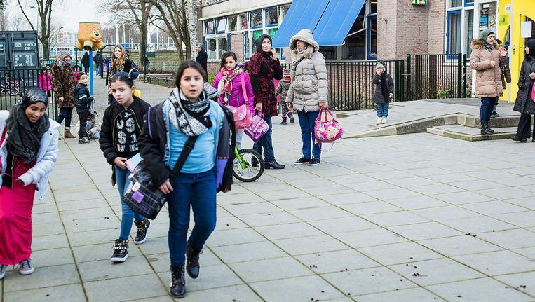 Basisschool de Kinderboom staat dichtbij de snelweg Beeld Maarten Steenvoort